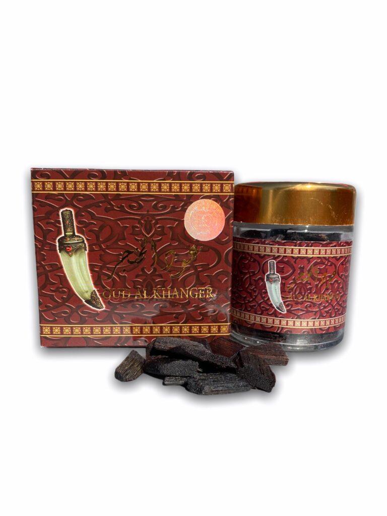 sous forme de véritable copeaux de Bois (Oud) bois de santal, d'encens, de 'oud, de musc, d'ambre et de rose.